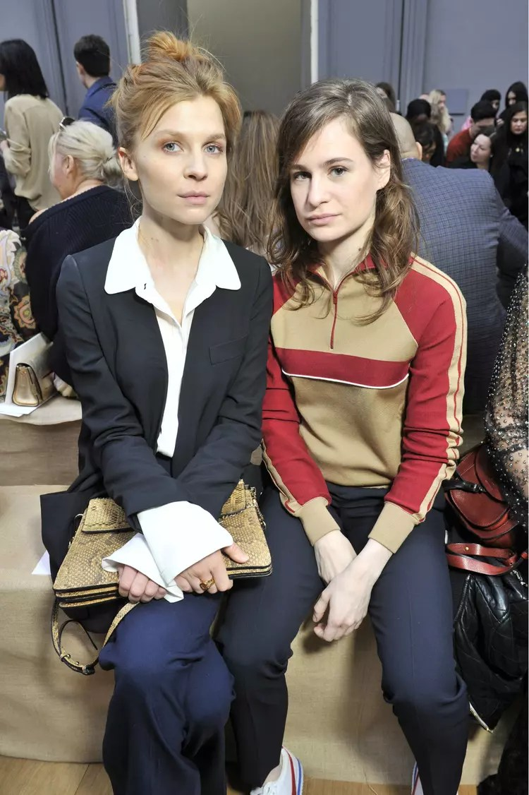 Clmence Poesy et Christine and the Queens  Les people aux dfils fashion week automnehiver