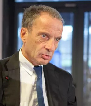 henri proglio, pdg d'edf, a gagné 1,3million d'euros en2012.