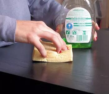 Nettoyer et dgraisser la table  Redonner un coup de jeune  une table basse  Linternaute