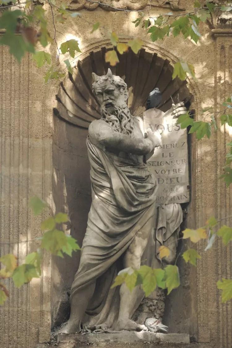 https://i0.wp.com/i-cms.linternaute.com/image_cms/750/1729145-monument-de-joseph-sec.jpg