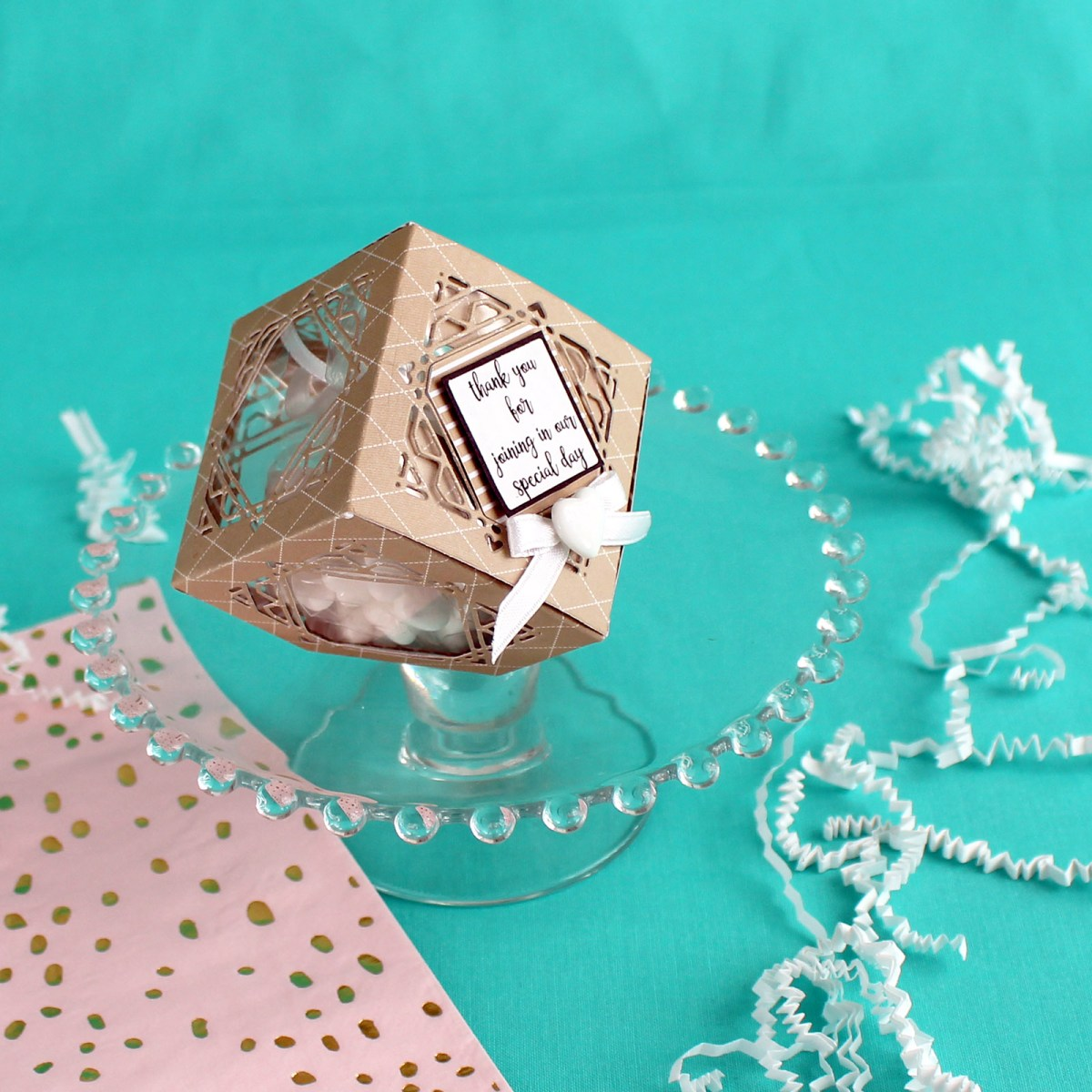 Geometric Favor Box