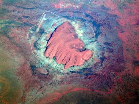 Uluru (Ayers Rock) is the heart of Australia. Photo by Maurus Blank (2003)