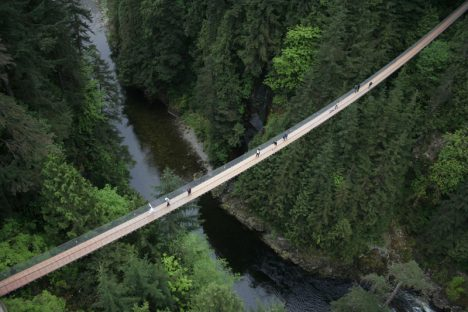 Canada: Capilano Suspension Bridge, Vancouver.