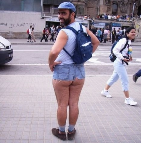 top 10 funny tourist snapshots barcelona