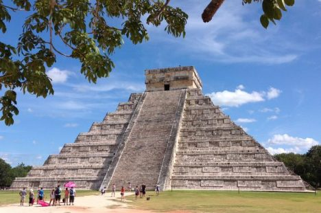 Mexico: Chichen Itza Pyramid