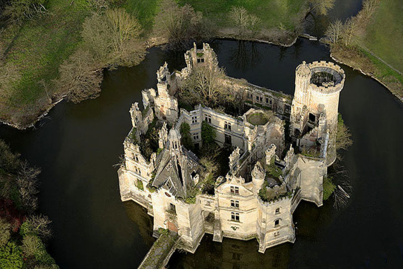 Mothe Chandeniers Castle saved by crowdfunding effort