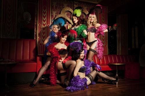 burlesque-gioi-han-cao-nhat-cua-nhung-co-nang-mua-thoat-y-4