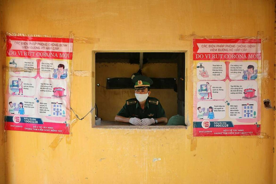 The border guards have been on the watch for people crossing from both countries. The Ministry of Health has confirmed the first three infection cases in Tay Ninh province. Patient 117 and patient 118 returned to Vietnam on March 19 and both showed Covid-19 symptoms which are cough, fever, and shortness of breath. They were taken to Tay Ninh General Hospital by the border guards where they have been quarantined and treated. X-ray results show their lungs have pulmonary infiltrate.