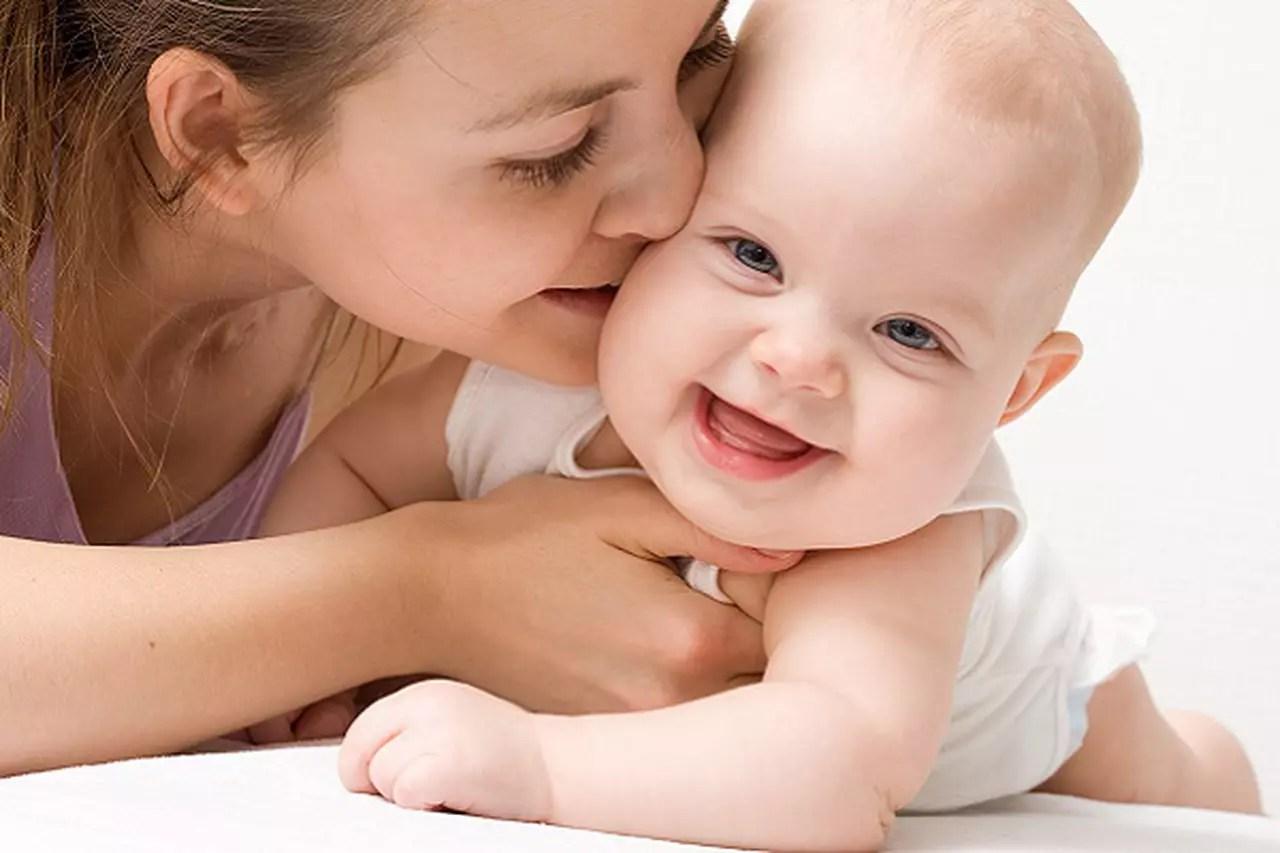 7 نصائح فعالة للتعامل مع الطفل حديث الولادة