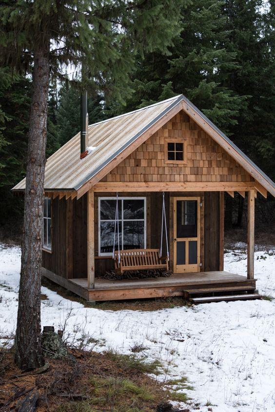 32e35d673ea63724997e56a18c130d9d - 21 Perfect Tiny Cabins For Living Outdoors
