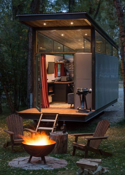 f5274edf58d31cb31fcd9eb32814533b - 21 Perfect Tiny Cabins For Living Outdoors