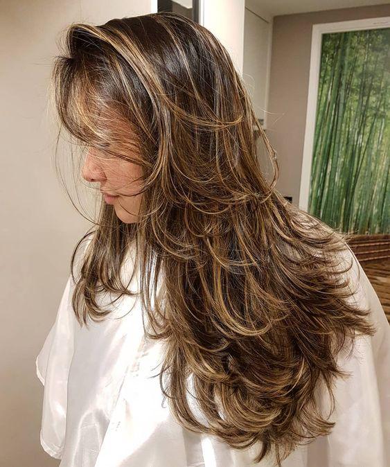 Corte de cabelo longo, com bastante camadas. 👏👏👏 QUEM GOSTA?? 🤔🤔 #kaducesario #cortedecabelo #corte #especialistaemcortedecabelo #top #camadas #cabelocomcamadas #cabelolindo #visagismo #cortefeminino #cabeleireiro  _____________________________________ Kadu Cesário - Especialista em corte! Terraço:  99830-4291 (WhatsApp) Marcelo Couto: 3563- 9042/ 3563-8461