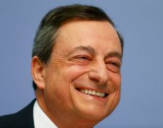 Draghi Halts Euro Rally With QE Talk as ECB Pushes Rate Hike Back By Investing.com