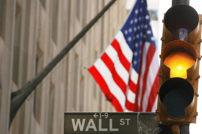 © Reuters. U.S. stocks higher at close of trade; Dow Jones Industrial Average up 0.38%