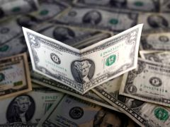 Dollar Climbs Amid Grim Economic Outlook By Investing.com