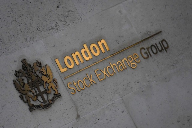 © Reuters. U.K. stocks higher at close of trade; Investing.com United Kingdom 100 up 0.79%