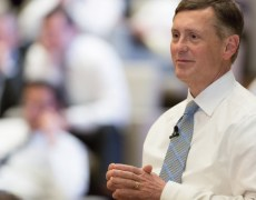 Fed's Clarida Says Fed Taking Things 'Meeting by Meeting' By Investing.com