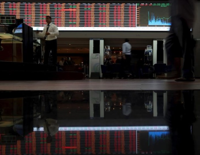 © Reuters. Brazil stocks higher at close of trade; Bovespa up 0.98%