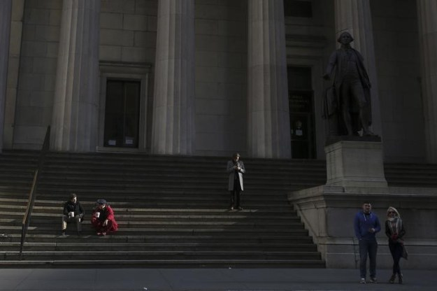 © Reuters. U.S. stocks lower at close of trade; Dow Jones Industrial Average down 0.47%