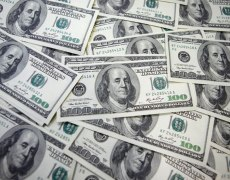 U.S. Dollar Rises as Fed's Powell Tones Down Rate Cut Talk By Investing.com
