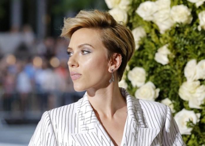 © Reuters. FILE PHOTO: 71st Tony Awards – Arrivals – New York City