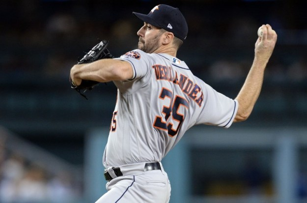 © Reuters. MLB: Houston Astros at Los Angeles Dodgers