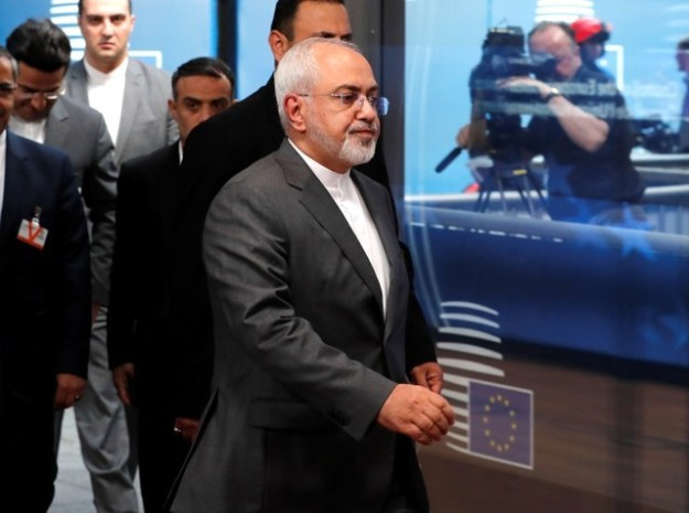 © Reuters. Iran's Foreign Minister Mohammad Javad Zarif arrives at the EU council in Brussels