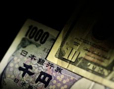 Dollar hits one-week high on yen as U.S.-China trade deal hopes rise By Reuters