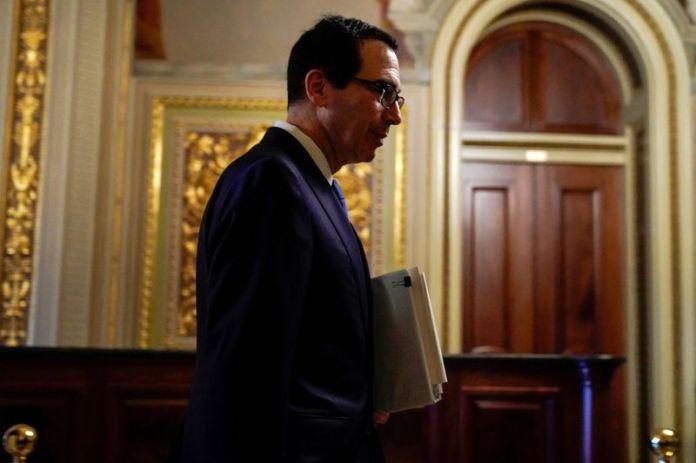 © Reuters. FILE PHOTO: US Secretary of the Treasury Mnuchin visits meeting for coronavirus relief package in Washington