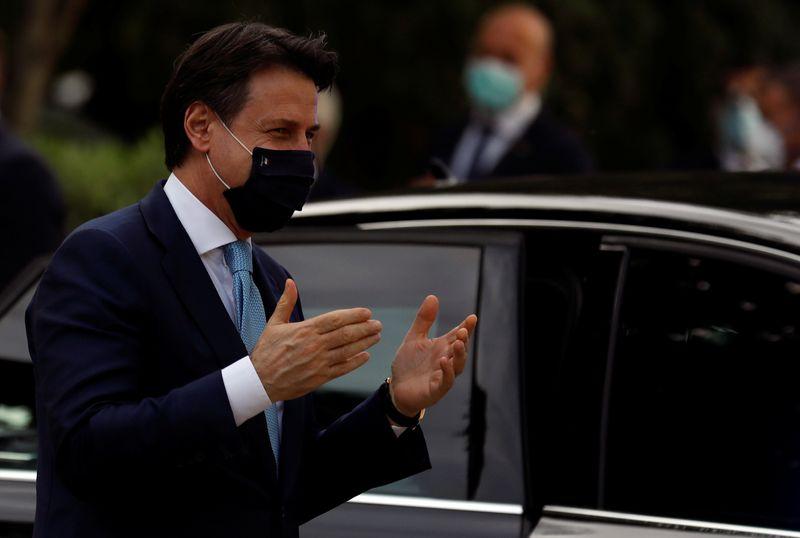 © Reuters. Il presidente del Consiglio Giuseppe Conte a Lisbona