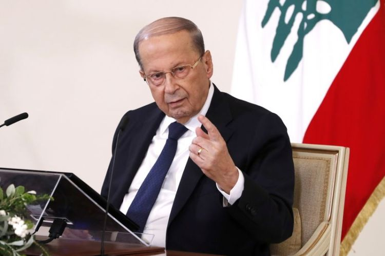 © Reuters. Lebanon's President Michel Aoun speaks during a news conference at the presidential palace in Baabda