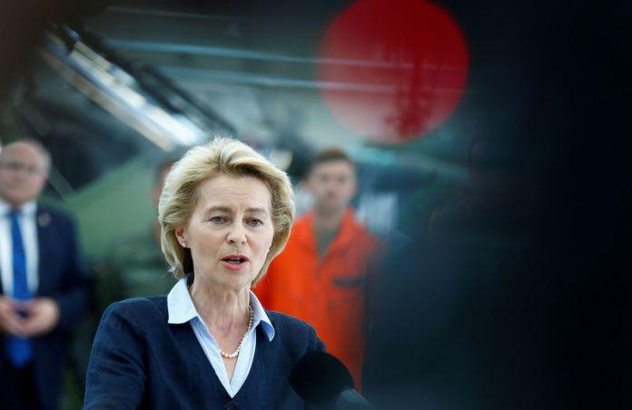 © Reuters. FILE PHOTO - German Defence Minister Ursula von der Leyen speaks during her visit of the Transport Helicopter Regiment 30 (Transporthubschrauberregiment 30) at the Hermann-Koehl-Kaserne in Niederstetten