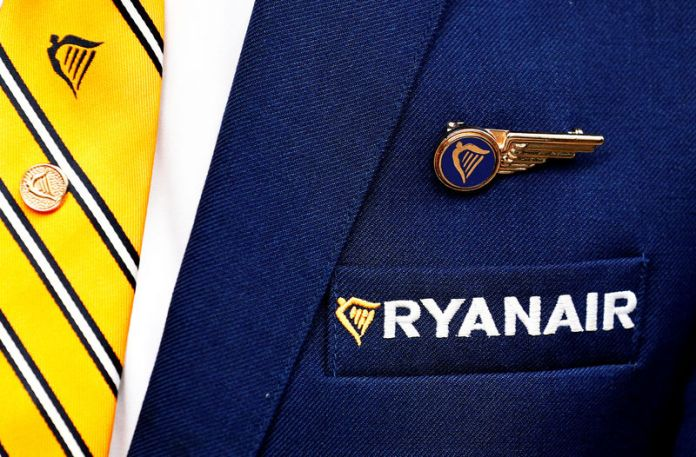 © Reuters. FILE PHOTO: Ryanair logo is pictured ahead of a news conference by Ryanair union representatives in Brussels