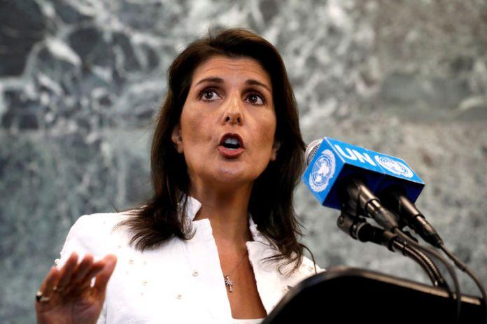 © Reuters. FILE PHOTO: U.S. Ambassador to U.N. Haley speaks at press briefing at U.N. headquarters in New York