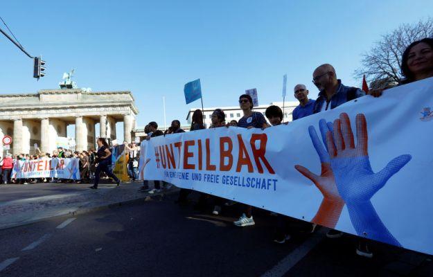 © Reuters. Unteilbar demostration against discrimination in Berlin