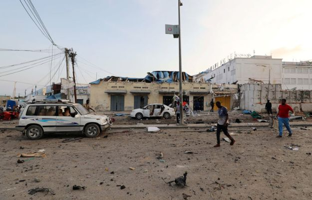 © Reuters. A general view shows the scene of an explosion in Mogadishu
