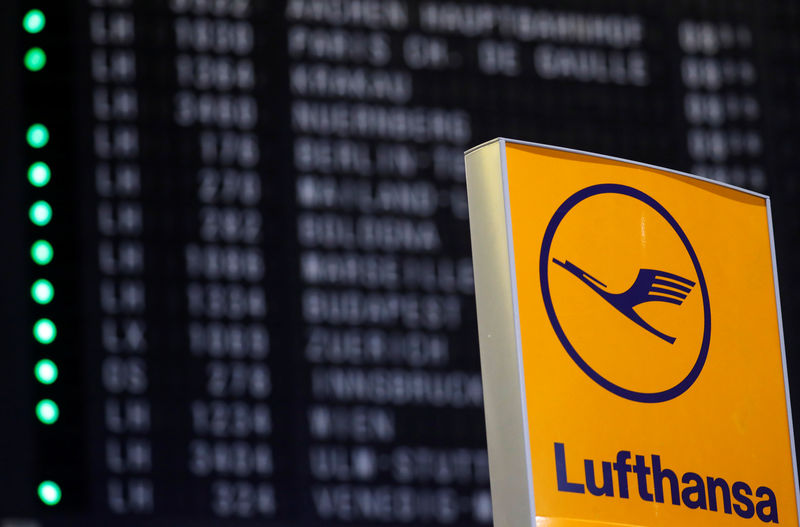 © Reuters. An advertising board of German air carrier Lufthansa is seen at the airport in Frankfurt
