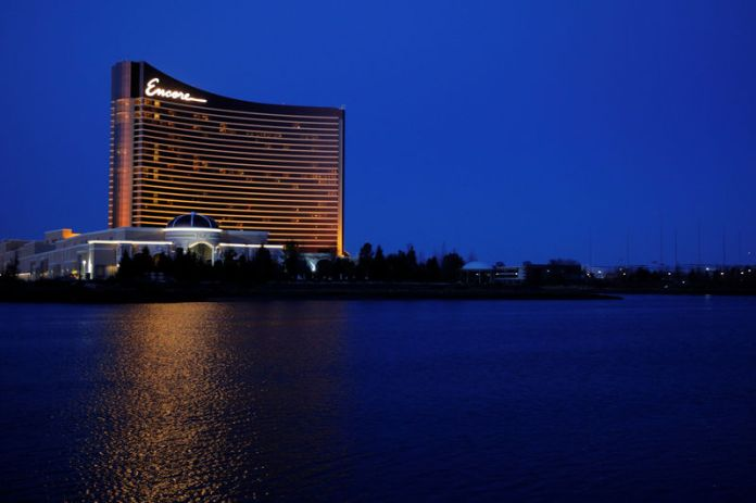 © Reuters. FILE PHOTO: The Encore Casino, built by Wynn Resortsin Everett, Massachusetts