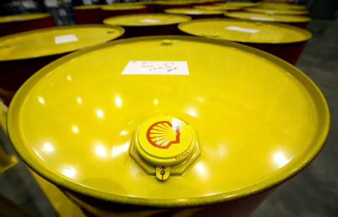 © -. FILE PHOTO: Filled oil drums are seen at Royal Dutch Shell Plc's lubricants blending plant in the town of Torzhok, Russia