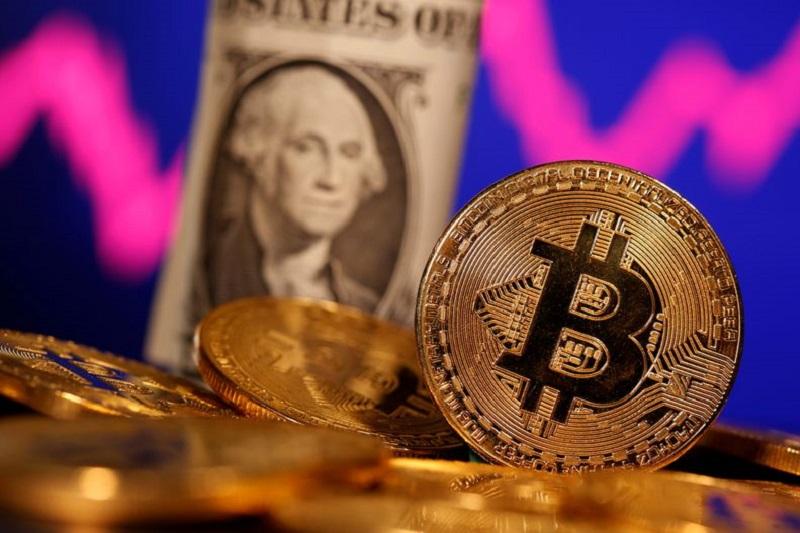 Andrés Oppenheimer: 'Ley Bitcoin' de El Salvador es puro teatro político