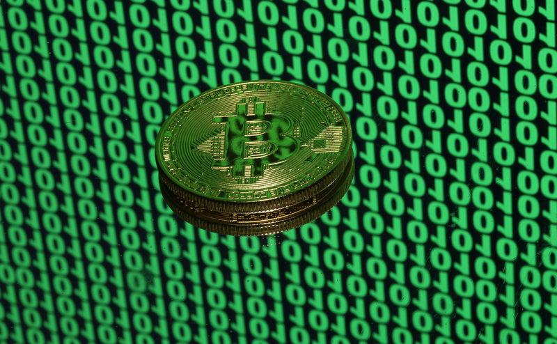 Bitcoin shows signs of exhaustion as bulls fight for next step