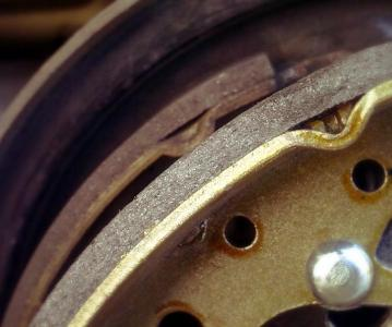 Замена задних тормозных колодок Skoda Fabia, какие лучше