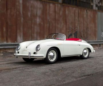 Электрический Porsche 356 Speedster 1957 года. Видео
