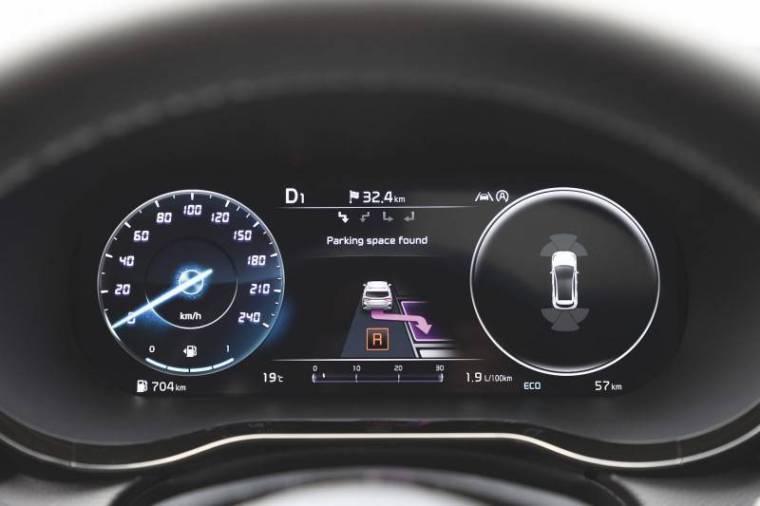 Kia Ceed 2021 приборка