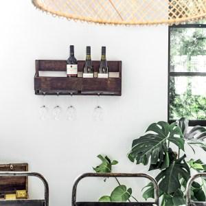 Wanddecoratie wijnrekjes scrapwood of hout te koop bij Indistrieel in Middelburg
