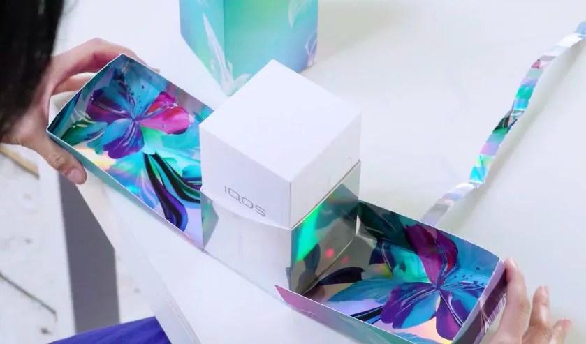 IQOS3DUOの春限定カラー箱のパッケージ