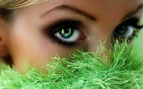 К чему снится макияж. К чему снится красить лицо косметикой: значение сновидения в разных сонниках