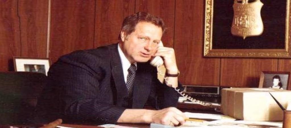 Ted_Gunderson_in_his_FBI_Office-1560x690_c.jpg