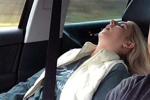 10 thói quen nguy hiểm khi lái xe - 4