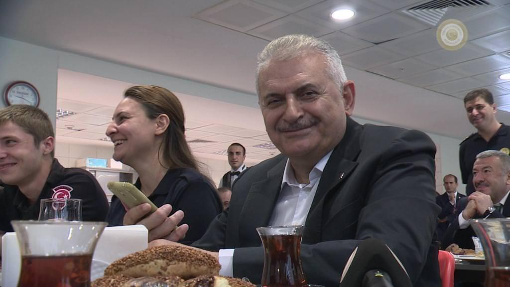 Başbakan Yıldırım polis memuru için kız istedi